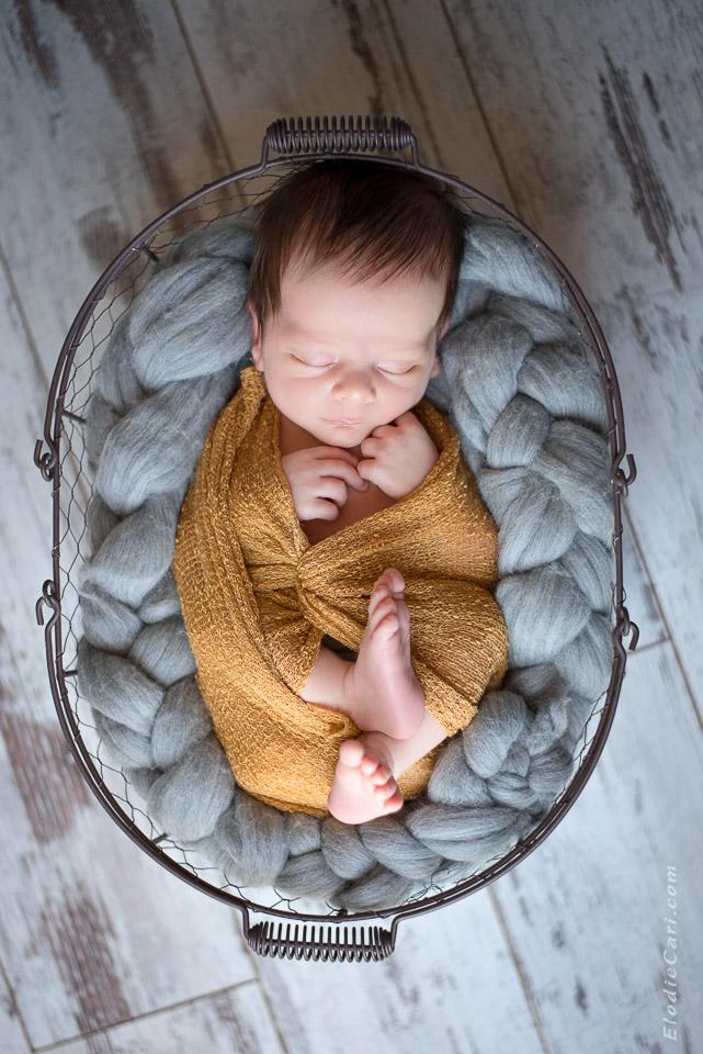 photographe alsace bébé nouveau-né naissance bébé moutarde