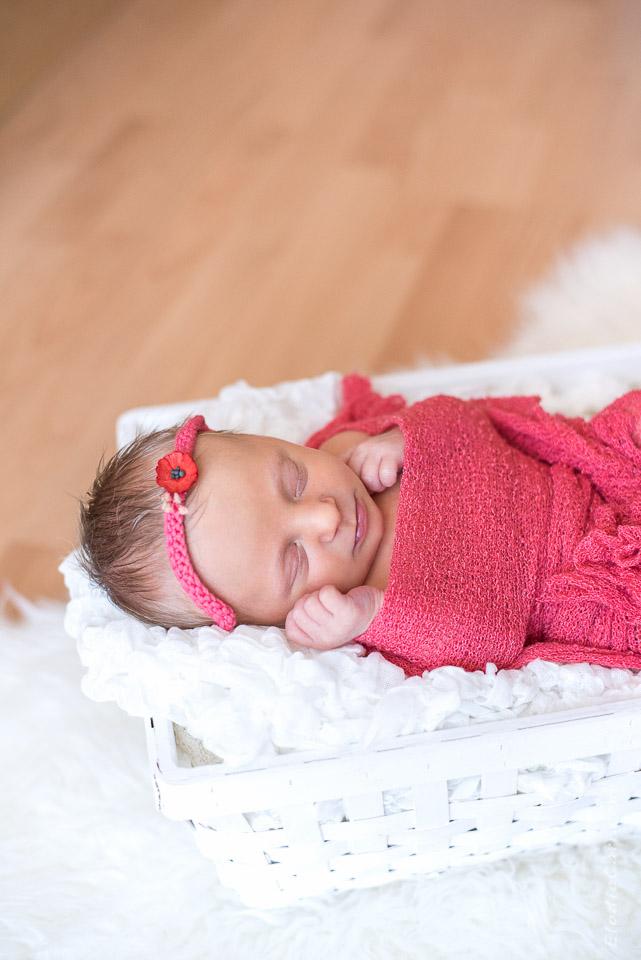 bébé fille coquelicot panier blanc corail