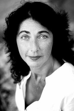 belle femme noir blanc contraste portrait