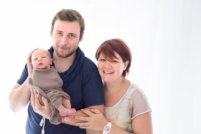 famille bébé contrejour lumière