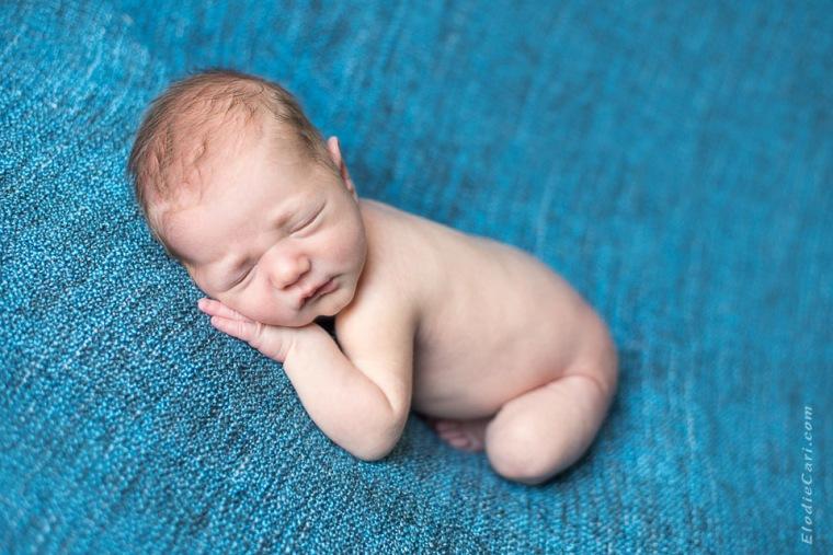 bébé garçon maternité photographe naissance newborn posing haut-rhin alsace